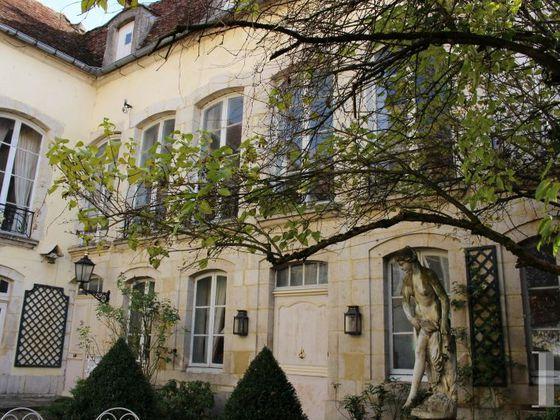Vente maison 9 pièces 577 m2