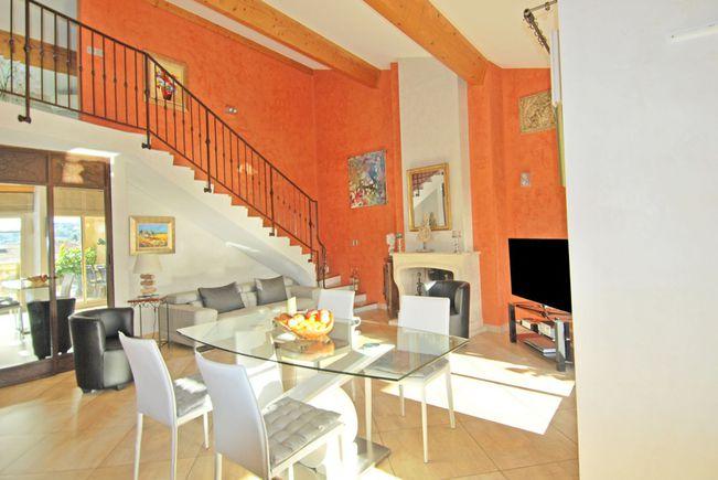 Apartment with Terrace, Sanary-sur-Mer