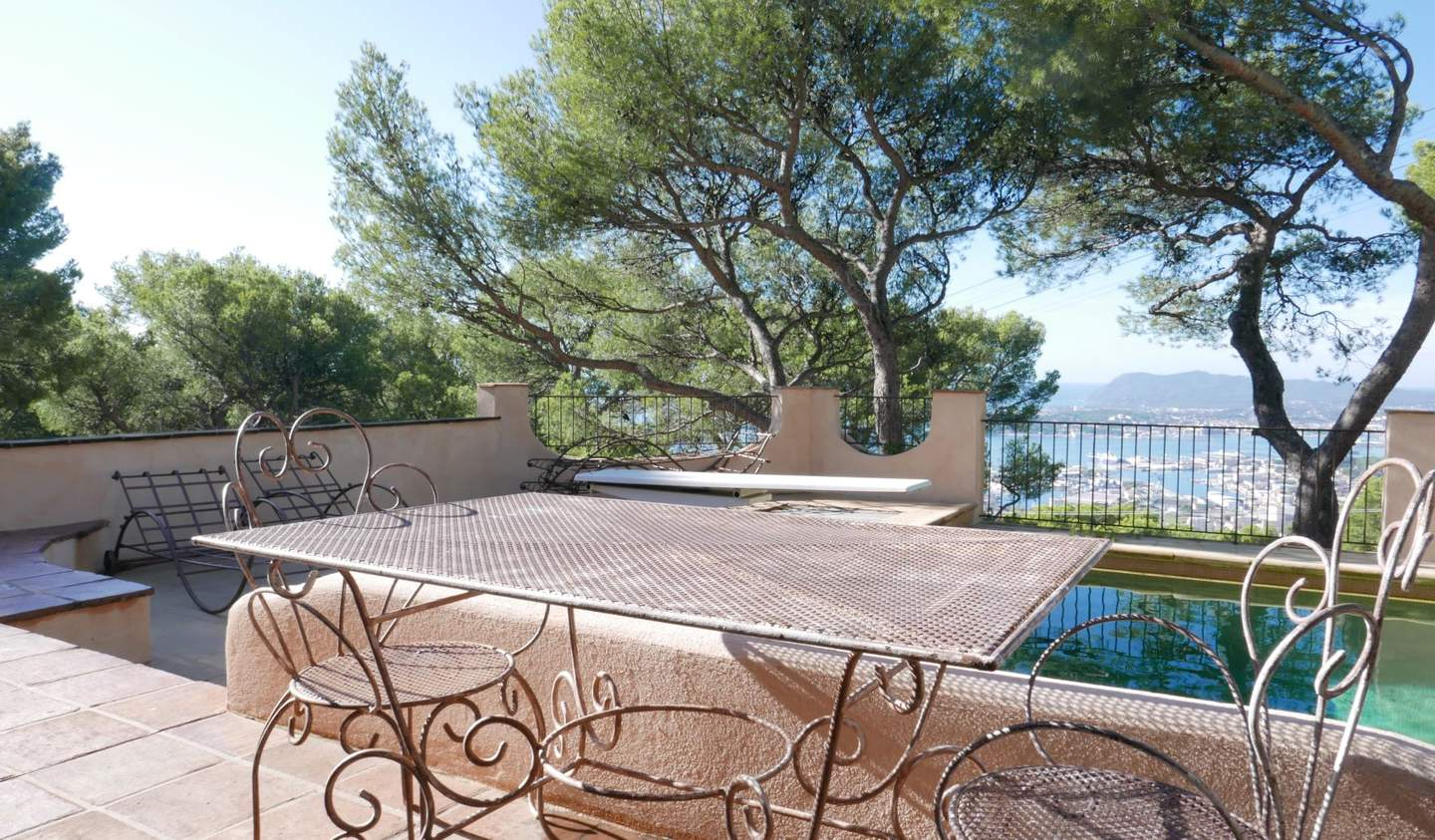 House with pool and garden Toulon