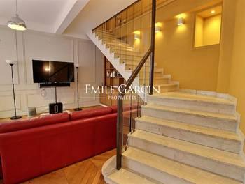 Appartement 7 pièces 220 m2