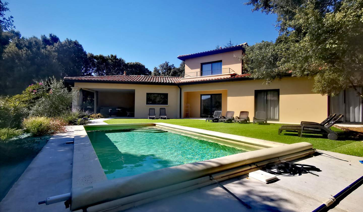 Villa with pool and terrace Grignan