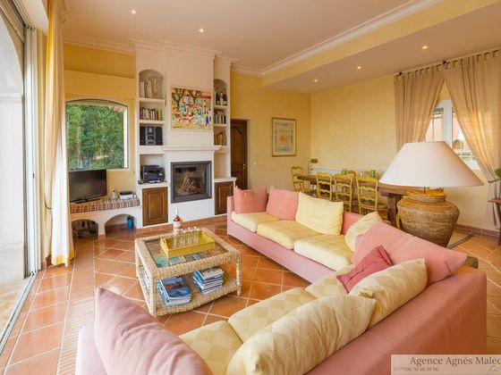 Vente propriété 6 pièces 300 m2