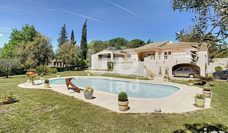Maison avec piscine et terrasse Bagnols-en-Forêt
