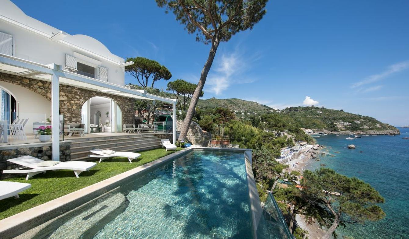 Seaside villa with pool Sorrento