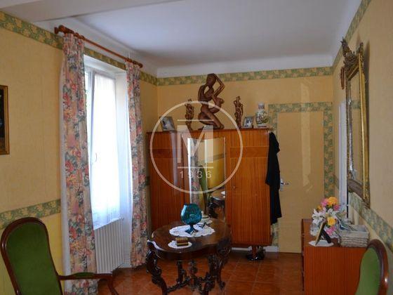 Vente propriété 7 pièces 179 m2