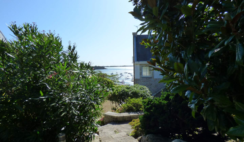 Villa with terrace Arradon
