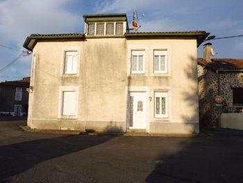 maison à Roussines (16)