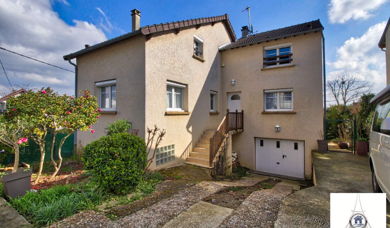 House with terrace Igny