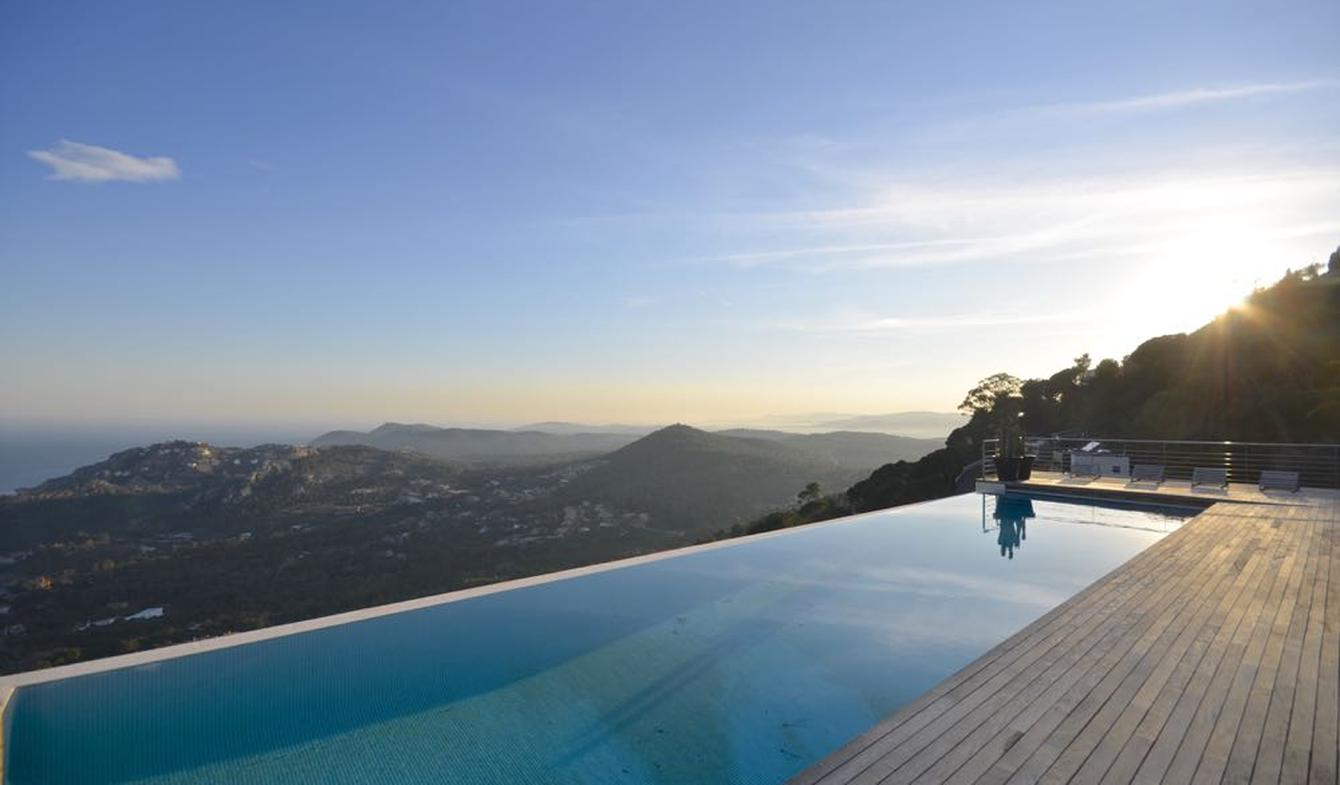Villa with pool and terrace Catalonia