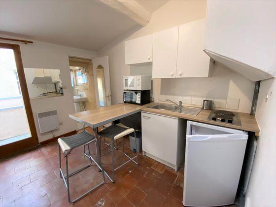 Location studio meublé 21,69 m2