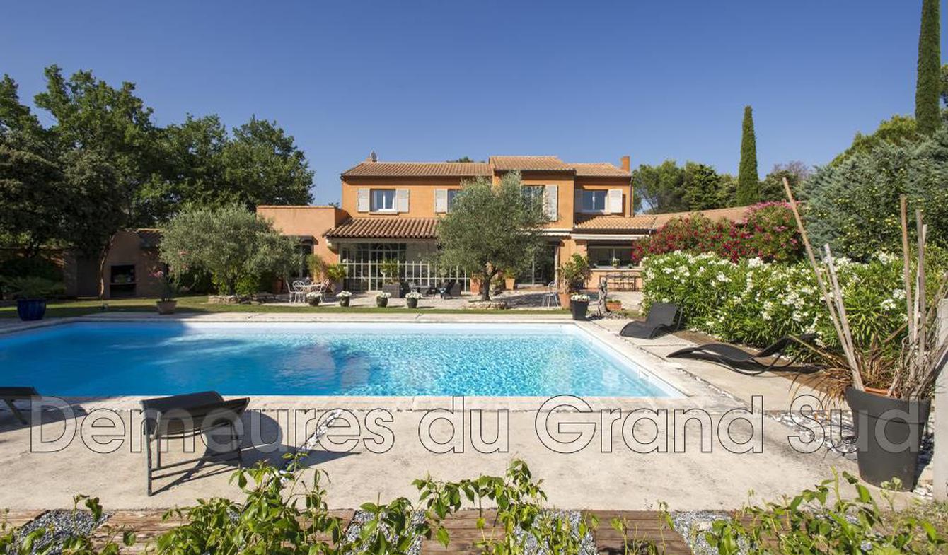 Maison avec piscine et terrasse Saint-Didier