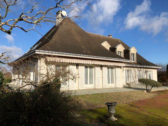 Vente maison 8 pièces 388 m2