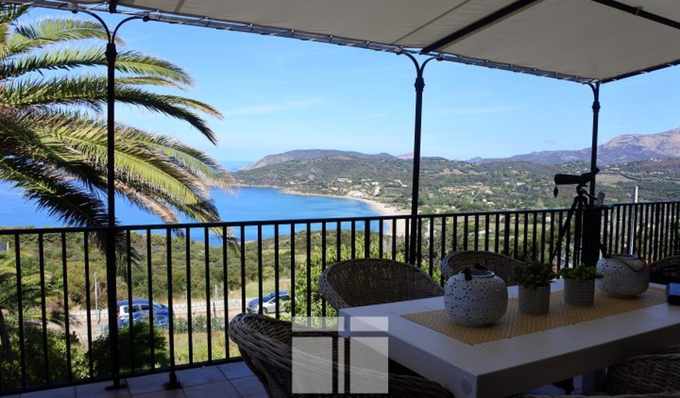Villa avec piscine et terrasse Cargese