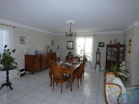 Vente maison 6 pièces 232 m2
