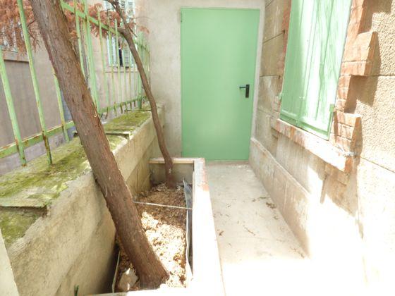 Location divers 2 pièces 65 m2
