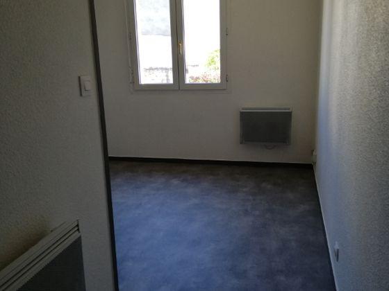 Location studio 23,58 m2