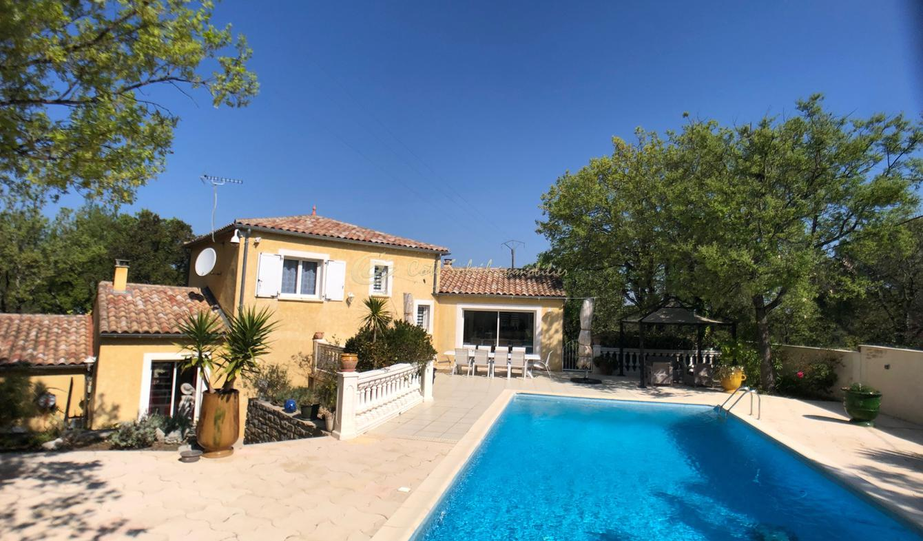 Villa with pool and terrace Deaux