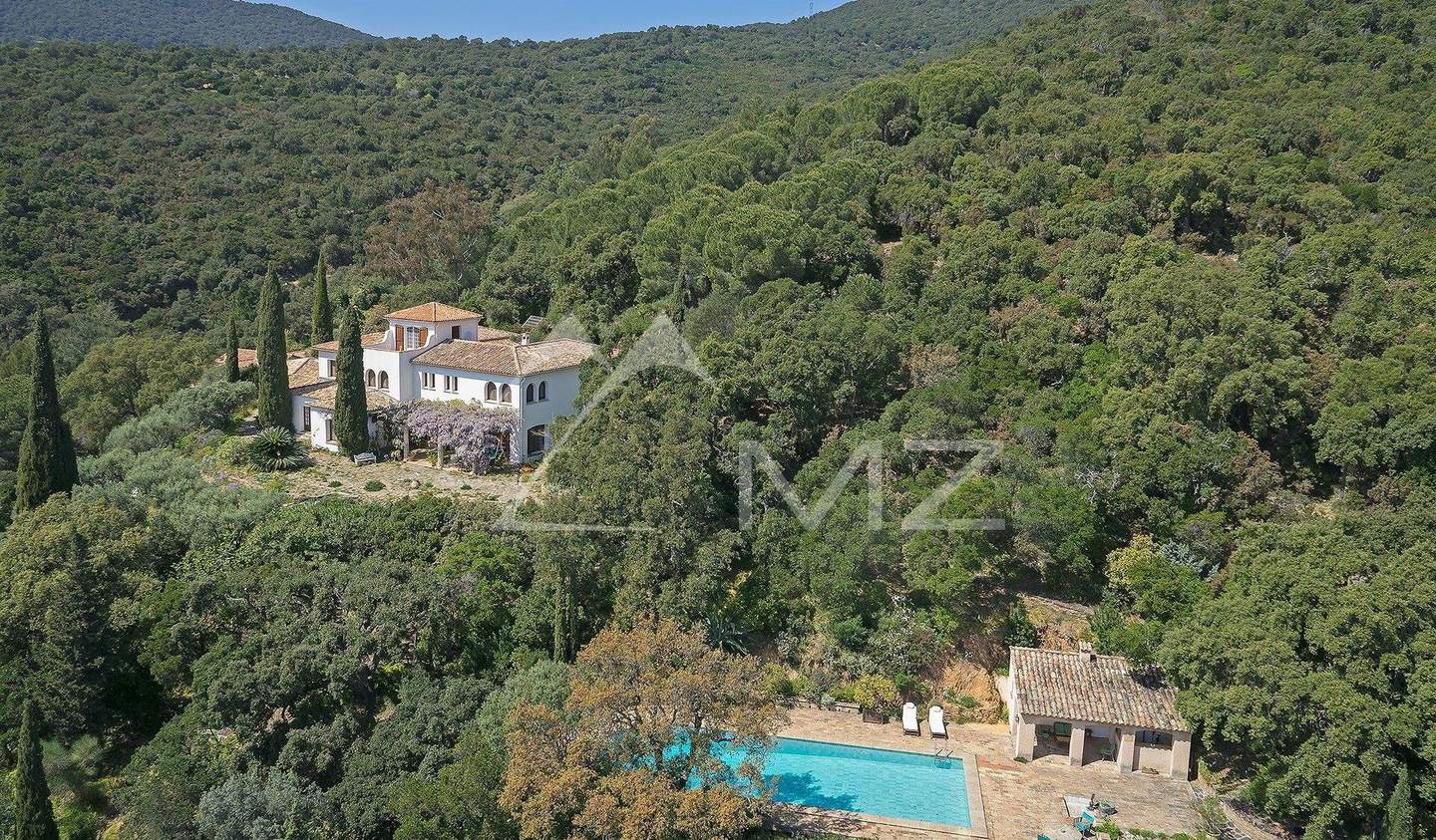 Property with pool Cavalaire-sur-Mer