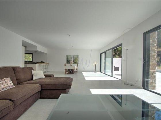 Vente villa 8 pièces 330 m2