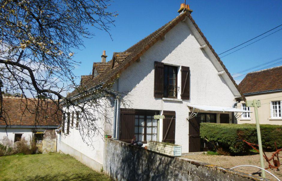 Vente maison 5 pièces 120 m² à Les Hermites (37110), 100 000 €