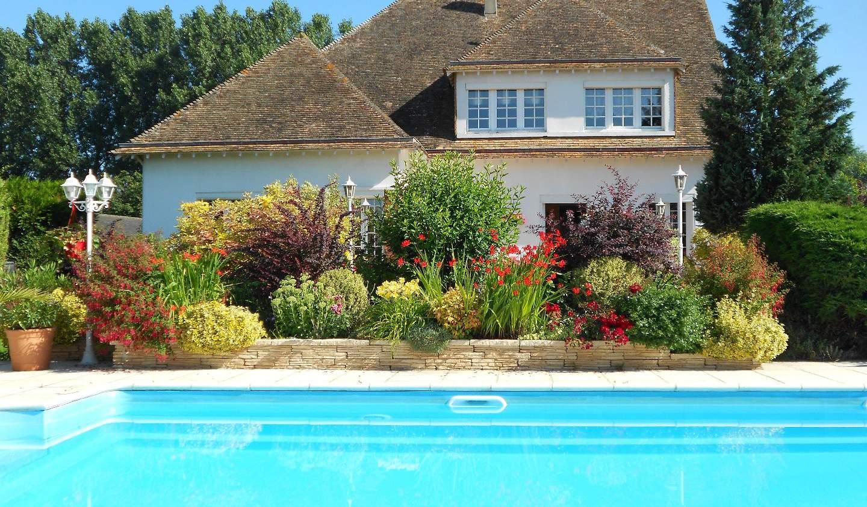 Propriété avec piscine Criquebeuf-sur-Seine