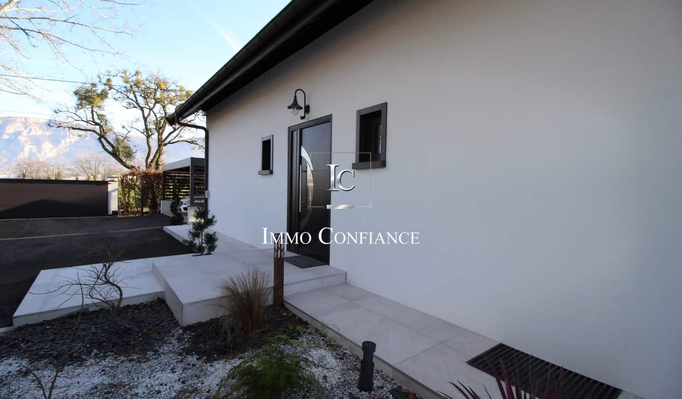 Maison avec piscine et terrasse Saint-Julien-en-Genevois
