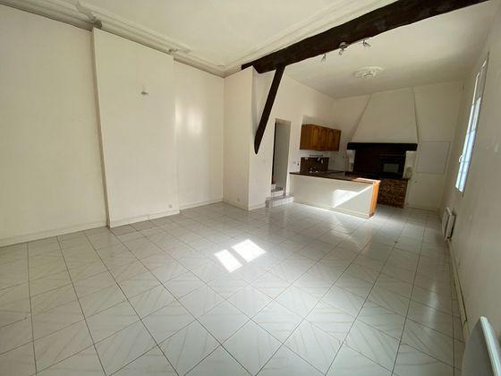 Location appartement 3 pièces 83,29 m2