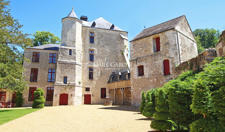Castle Magny-en-Vexin