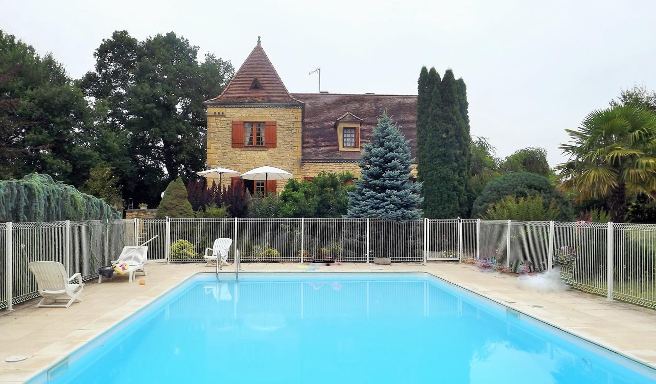 Maison avec piscine et jardin Capdrot