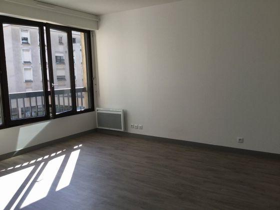Location studio 29,26 m2