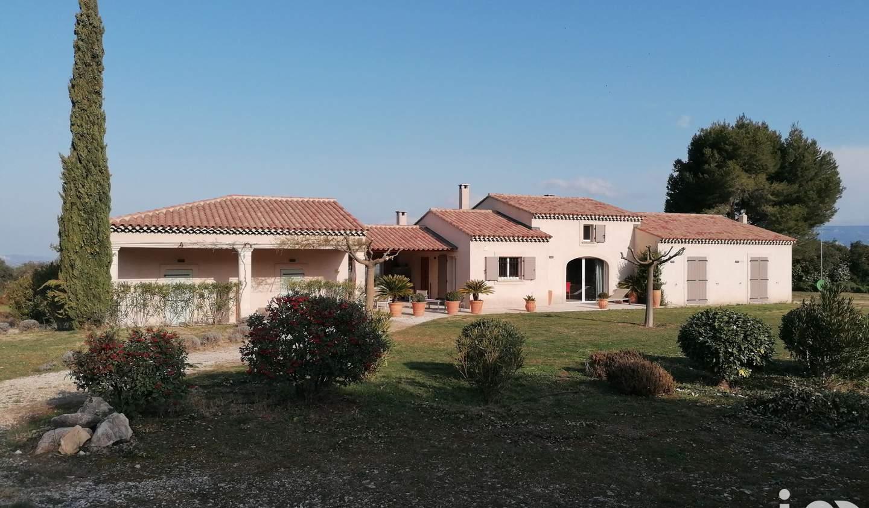 Maison avec piscine et terrasse Alleins