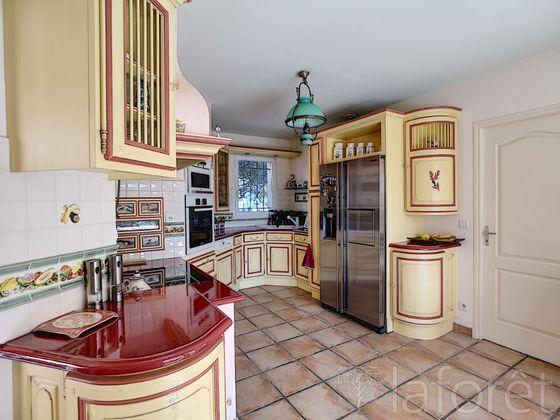 Vente maison 5 pièces 173,8 m2