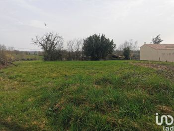 terrain à Saint-Georges-de-Noisné (79)
