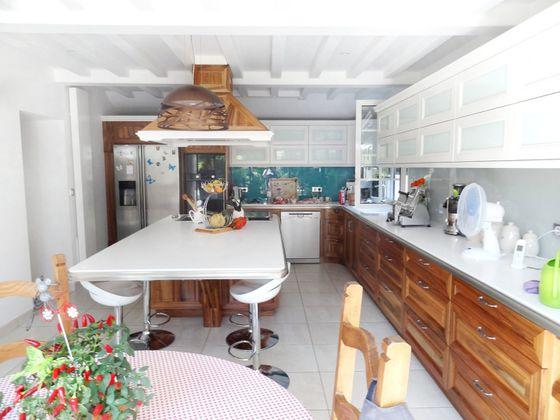 Vente propriété 10 pièces 320 m2