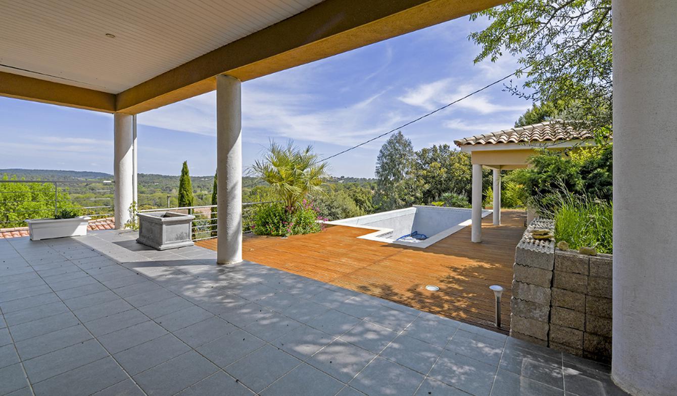 Maison avec piscine et terrasse Sommieres