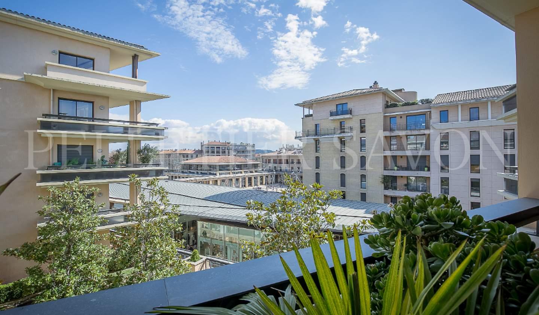 Apartment with terrace Aix-en-Provence