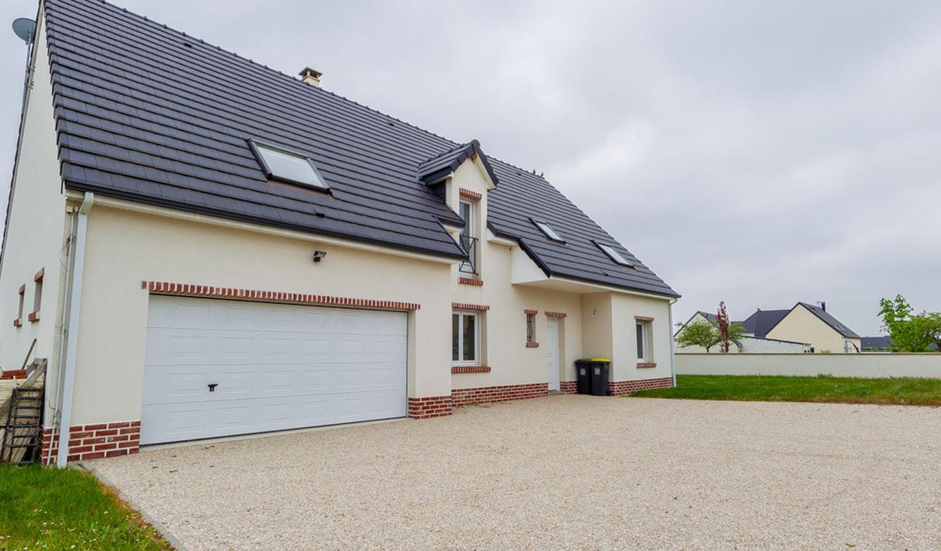 Maison avec piscine et terrasse Querrieu