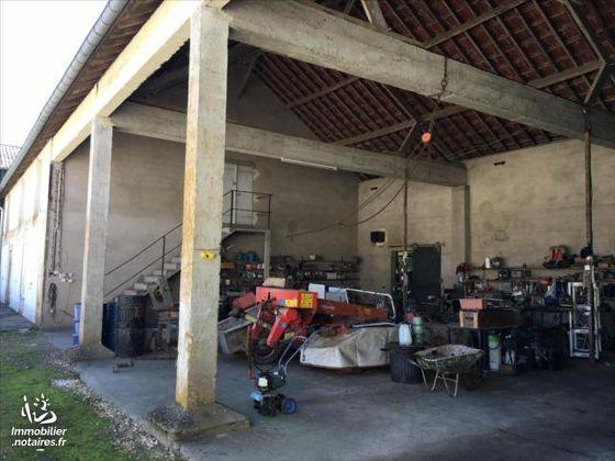 Vente ferme 10 pièces 300 m2