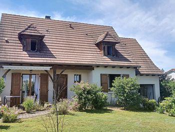 maison à Saint-Mamet-la-Salvetat (15)