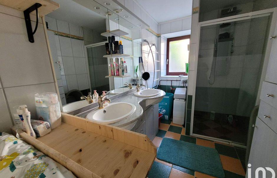 Vente maison 4 pièces 133 m² à Nanteuil-en-Vallée (16700), 105 000 €