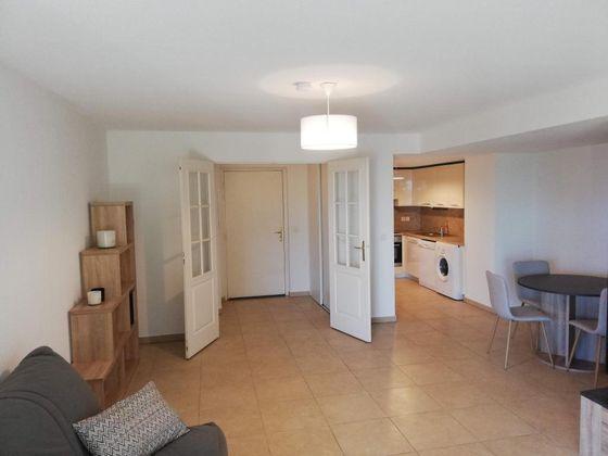 Location appartement meublé 2 pièces 57 m2