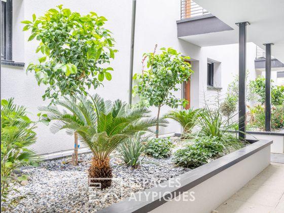 Location appartement 5 pièces 220 m2