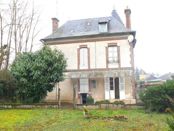 maison à Saint-Fargeau (89)