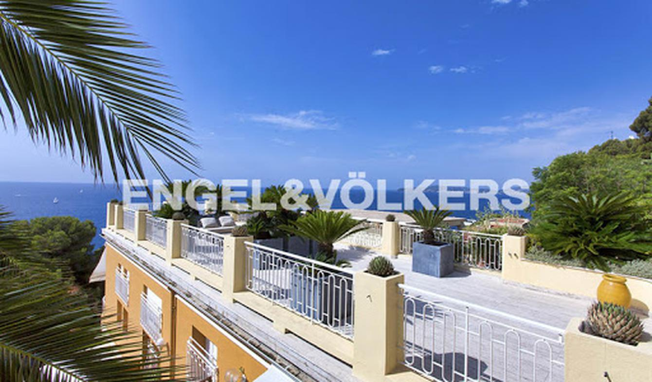 Apartment with terrace and pool Cap-d'Ail