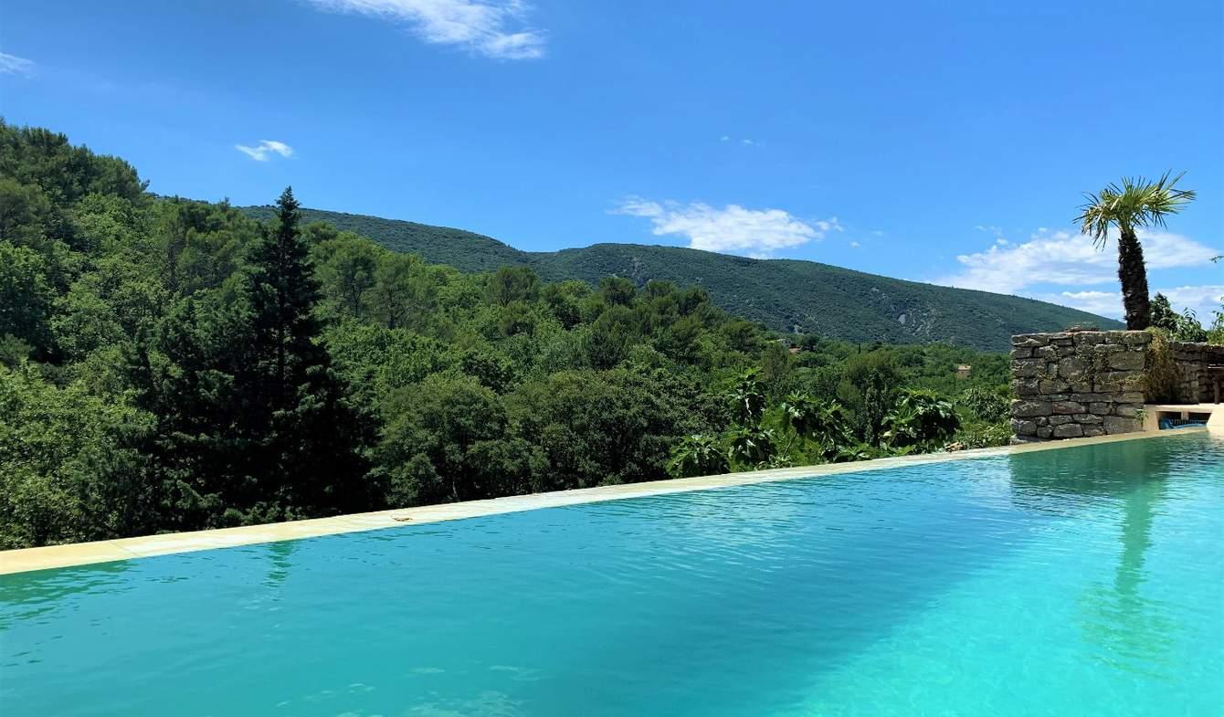 Maison avec piscine et terrasse Lacoste