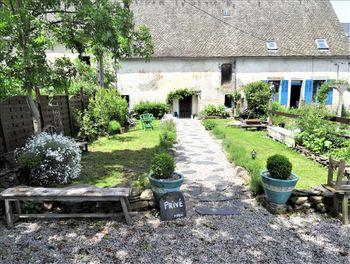 maison à Aveze (63)