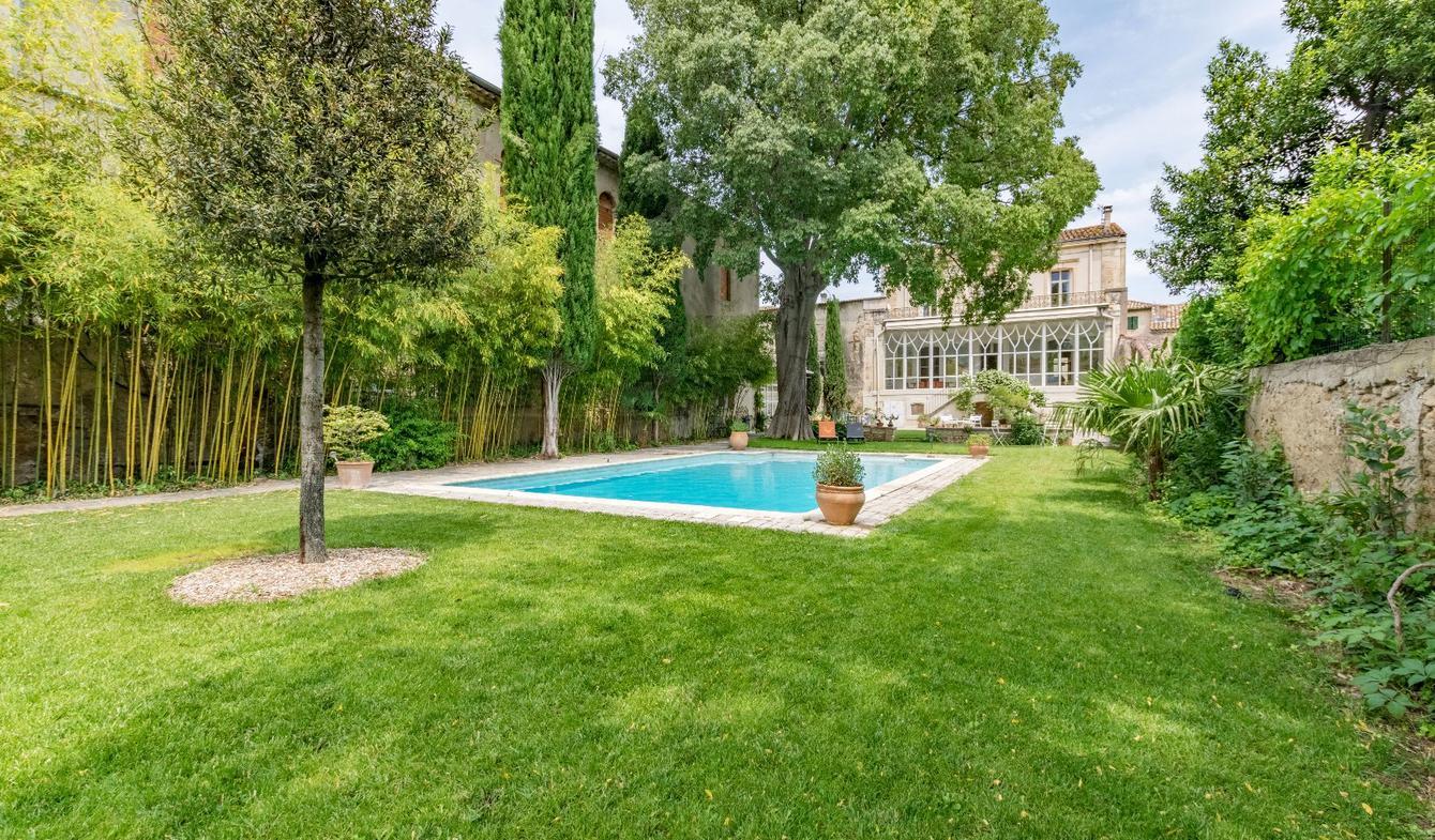 Propriété avec piscine et jardin Gignac