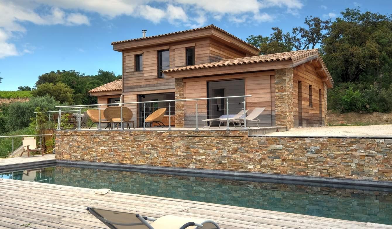 Maison contemporaine avec piscine et jardin Plan-de-la-Tour