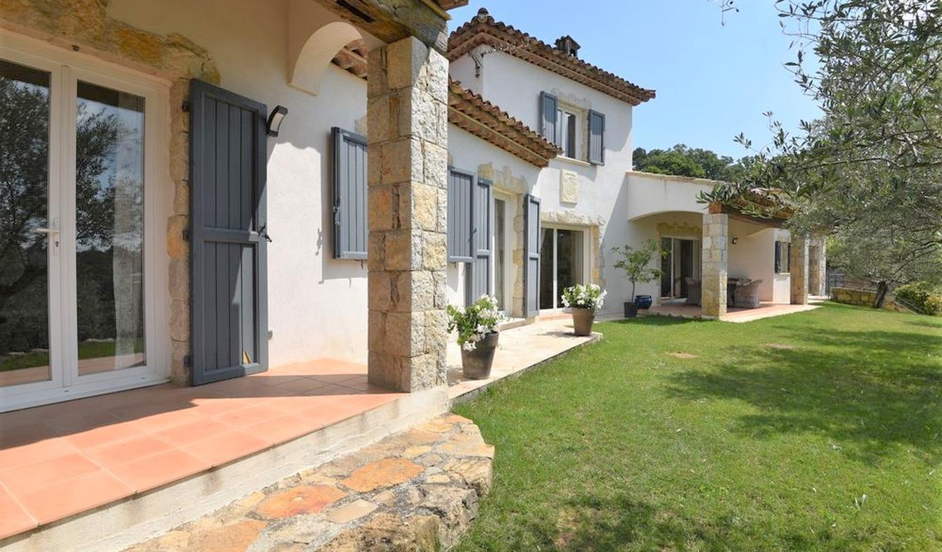 Villa avec piscine et terrasse Montauroux