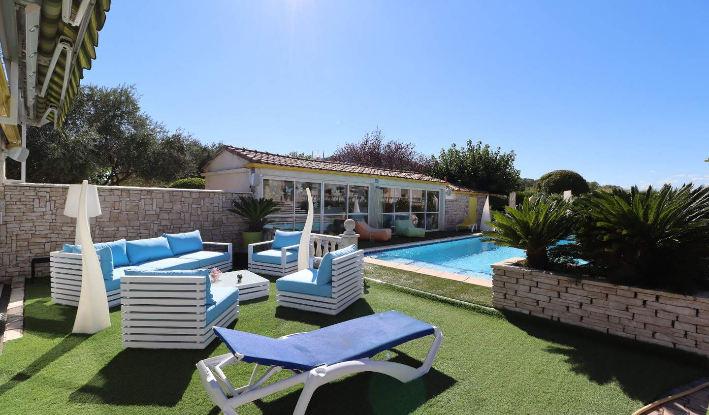 House with pool and terrace Montpellier